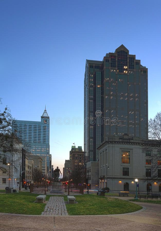 Fayetteville St i i stadens centrum Raleigh NC royaltyfri foto