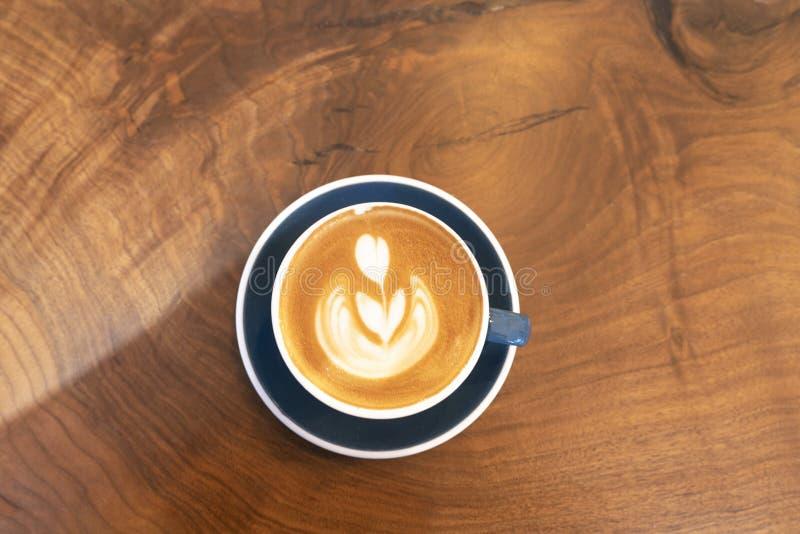Fazendo Café Espresso Silky fotografia de stock royalty free