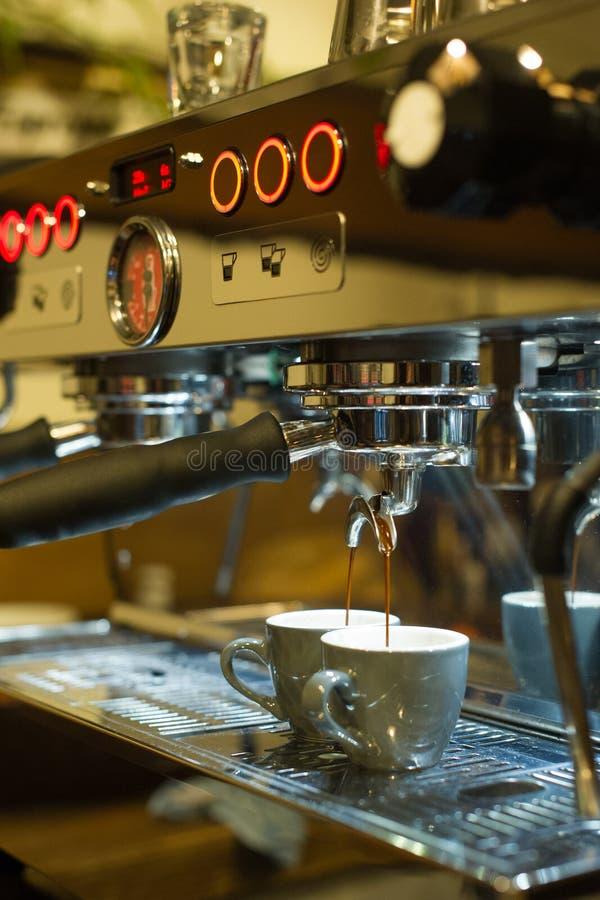 Fazendo o café do café imagens de stock royalty free
