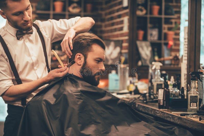 Fazendo o olhar do cabelo mágico imagem de stock royalty free