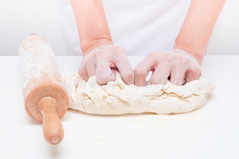 Fazendo o pão fotos de stock