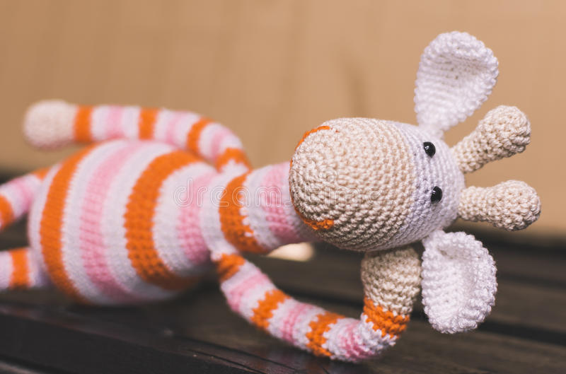Amigurumi Girafa Colorida no Elo7 | Travessuras do Puck (CA3789) | 529x800