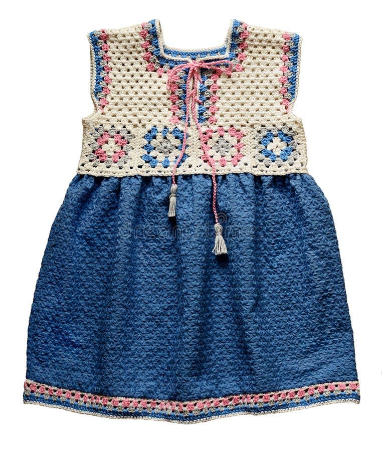 Fazer crochê o vestido do bebê imagem de stock