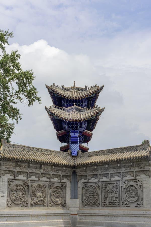 Fazhuang-Tempel, gelegen auf dem Bergabhang des Nordpols, ist der einzige Han Buddhist-Tempel in Huangyuan mit einer langen Gesch stockbilder