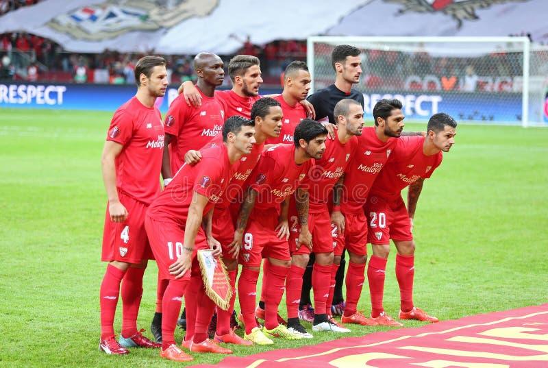FC οι φορείς της Σεβίλλης θέτουν για μια φωτογραφία ομάδας στοκ εικόνα