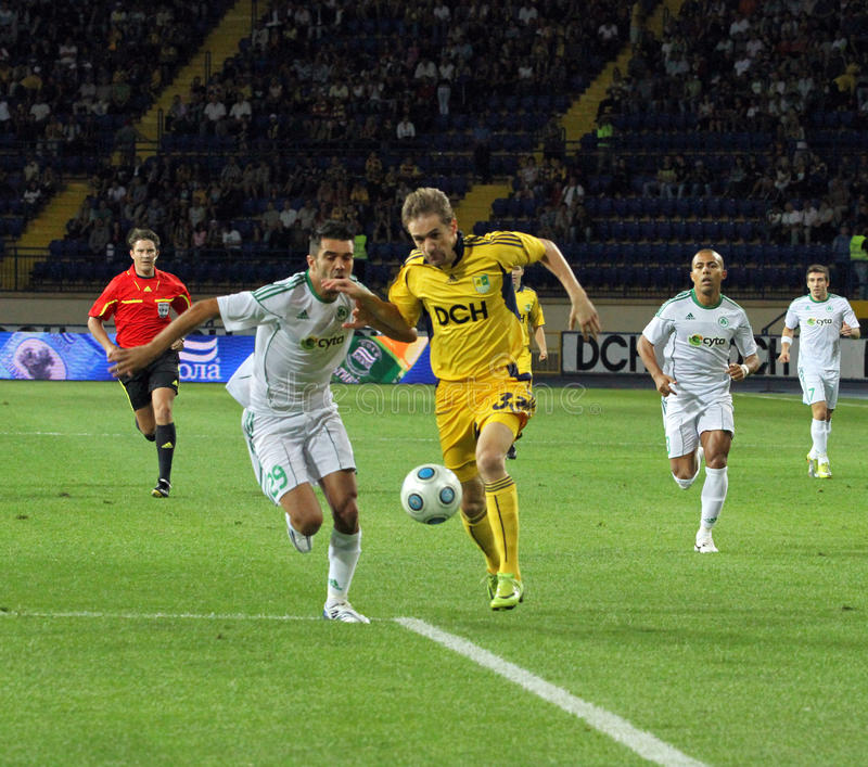 FC Metalist Kharkiv contre l'allumette à C.A. Omonia Nicosia image stock