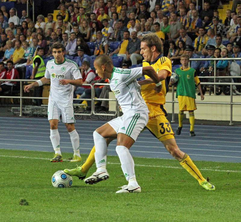 FC Metalist Kharkiv contre l'allumette à C.A. Omonia Nicosia photos stock