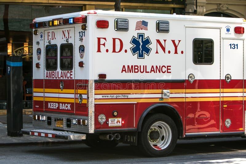 FDNY-ambulans royaltyfri bild
