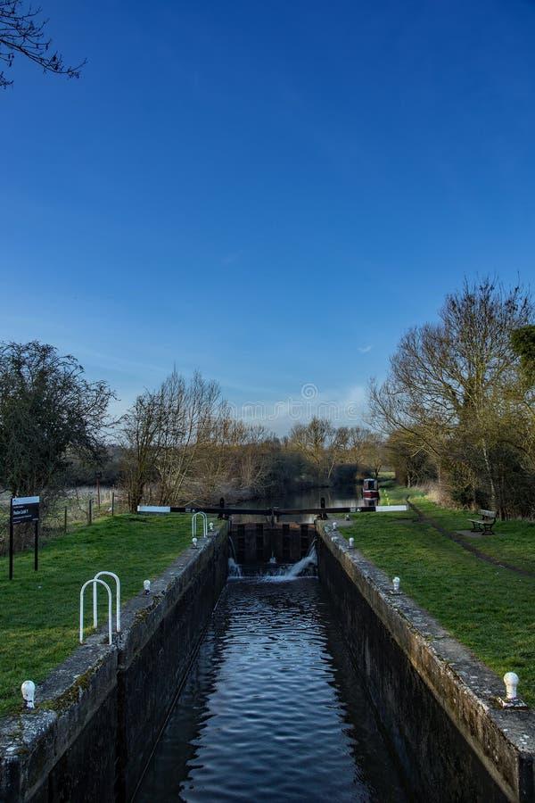 Feakes lås på Storten och Lee Navigation eller kanalen royaltyfri bild