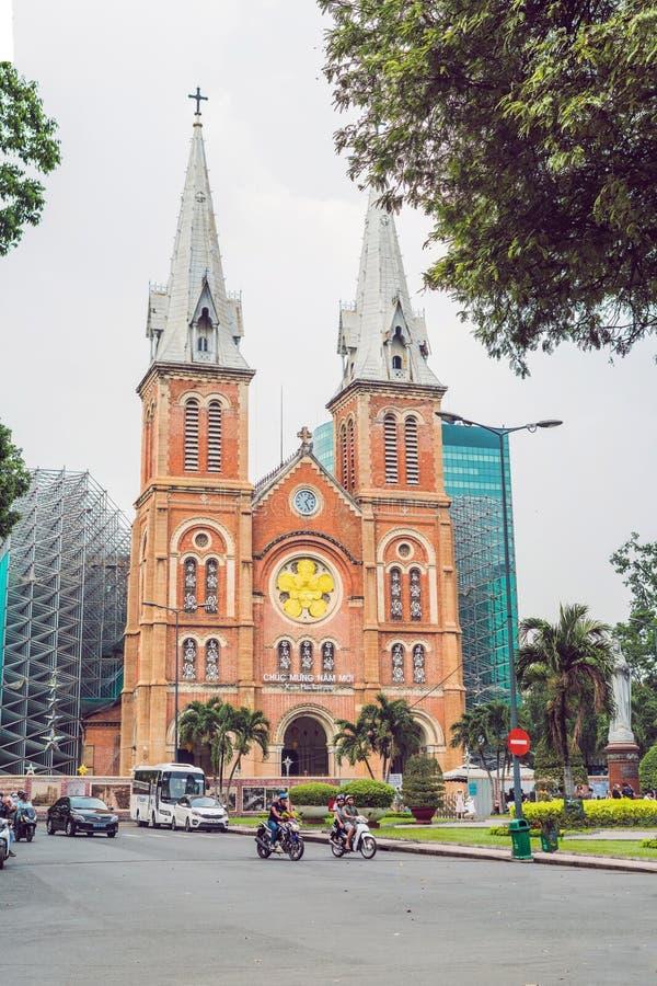 Februari 7, 2018, Ho Chi Minh City, Vietnam: Notre Dame de Saigon Domkyrka, byggande i 1883 i den Ho Chi Minh staden, Vietnam royaltyfria foton