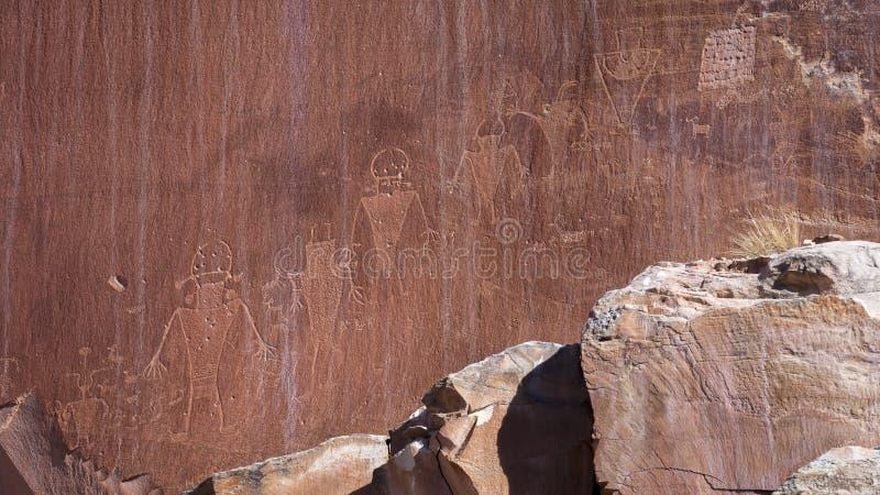 FEBRUARI 15, 2019, S UTAH, USA - Petroglyphs i sydliga Utah fotografering för bildbyråer