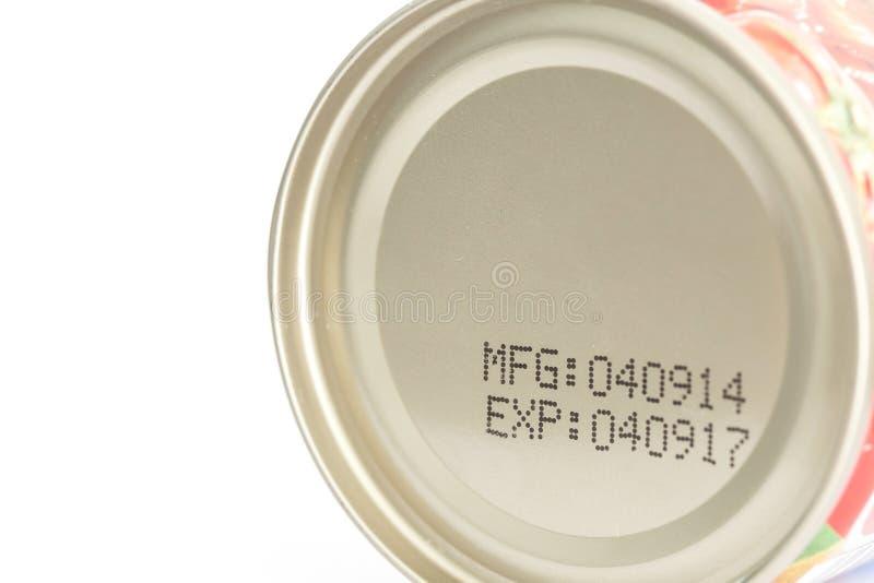 Fecha de caducidad macra en la comida enlatada imagen de archivo