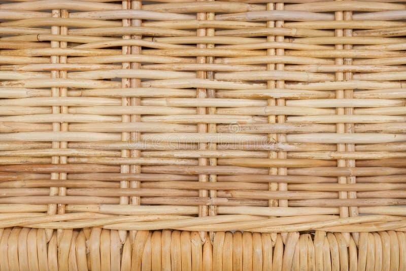 Fechado acima da textura do Rattan do teste padrão de Weave de cesta fotografia de stock