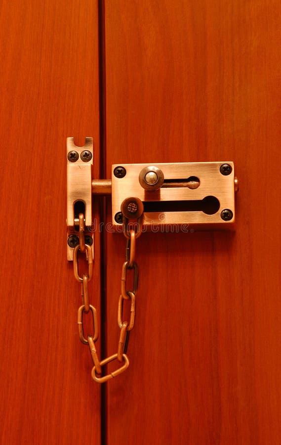Fechamento de porta com segurança dobro imagem de stock