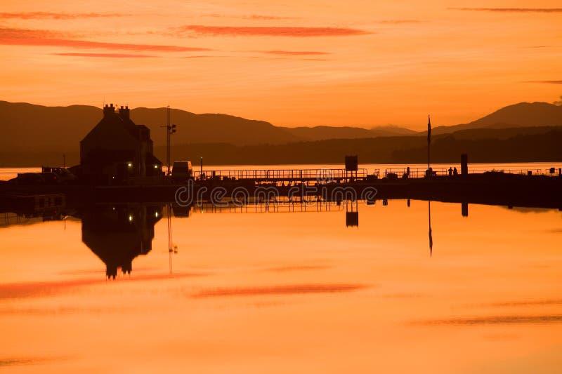 Fechamento do mar de Clachnaharry e canal caledoniano. imagens de stock royalty free