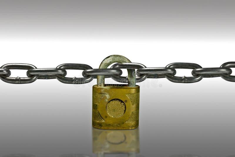 Fechamento e corrente da segurança fotos de stock royalty free