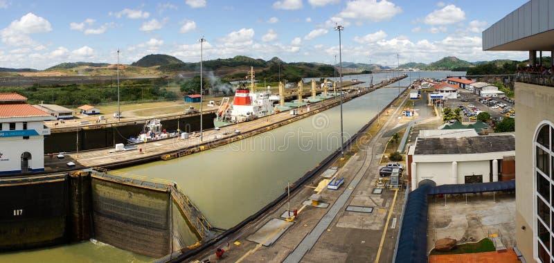 Fechamentos de Miraflores do canal do Panamá imagens de stock