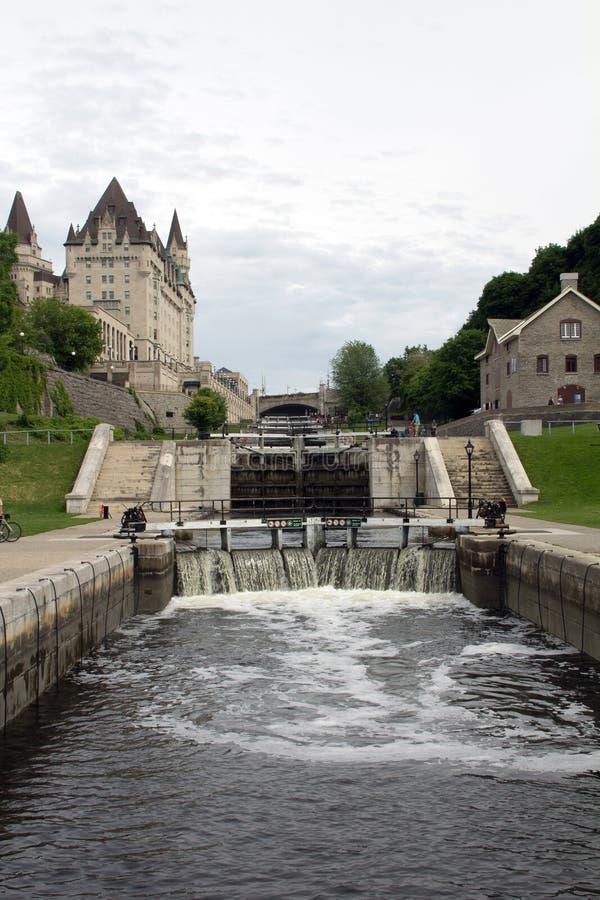Fechamentos do canal de Rideau, Ottawa imagem de stock royalty free