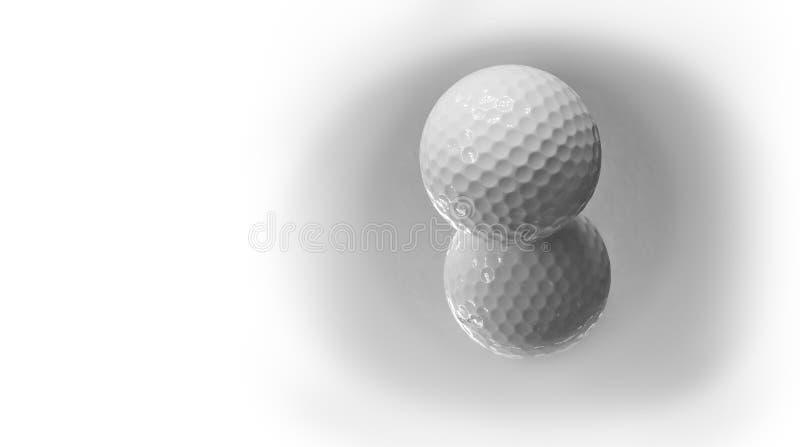 Feche acima da bola de golfe branca nova com a reflexão, conceito do esporte fotografia de stock royalty free