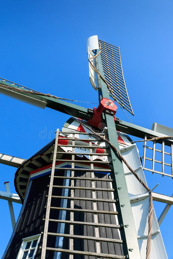 Feche acima da cabeça do moinho de vento histórico os Países Baixos imagens de stock royalty free