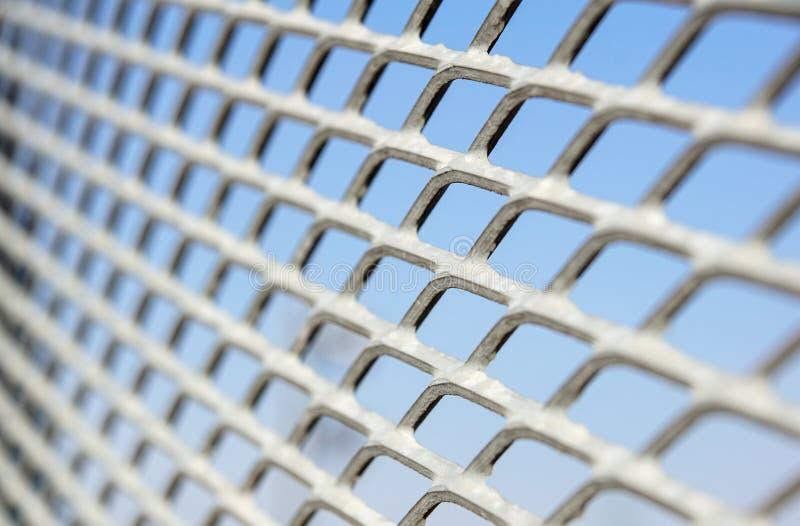 Feche acima da cerca Chain Engranzamento do metal Foco seletivo fotos de stock