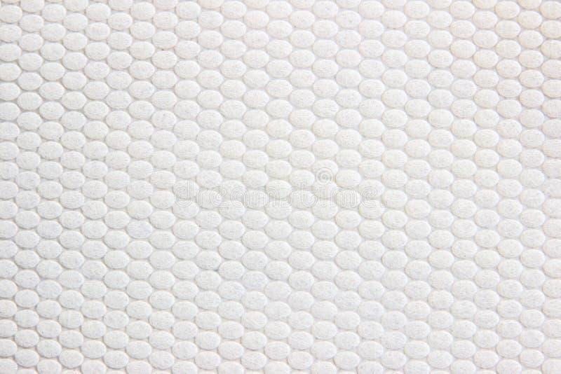 Feche acima da folha brilhante do papel da textura do enrugamento imagem de stock