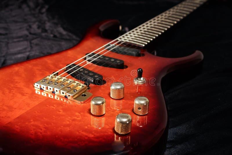 Feche acima da guitarra elétrica fotos de stock royalty free