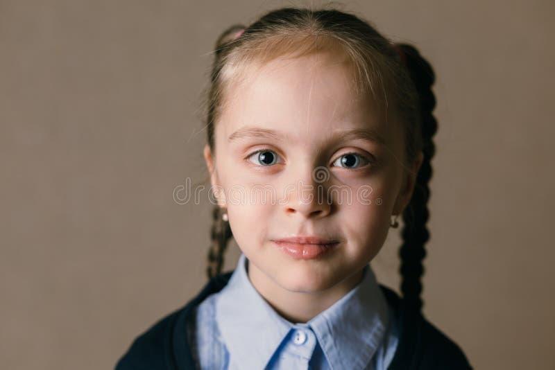 Feche acima da menina bonito do retrato imagem de stock