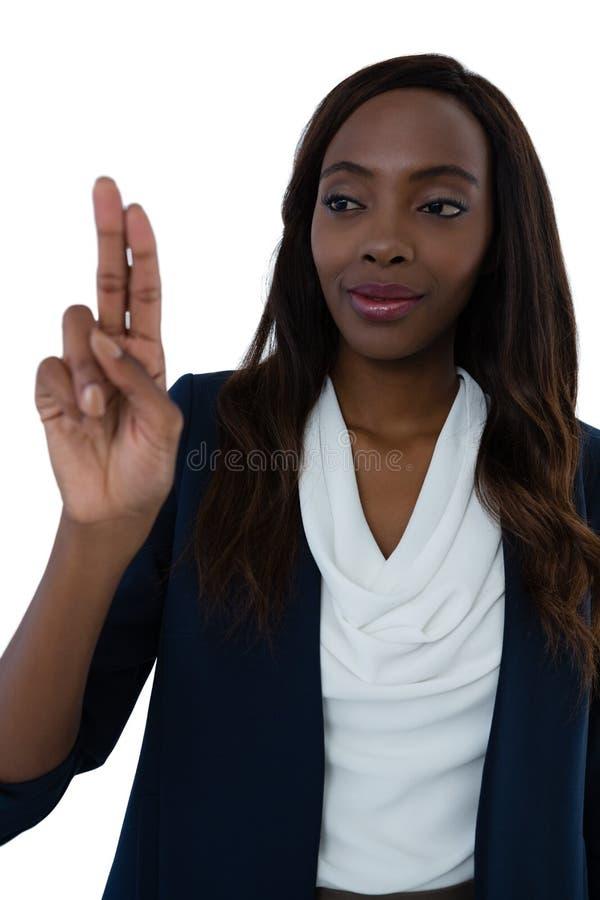 Feche acima da mulher de negócios segura que usa a tela da relação imagem de stock royalty free