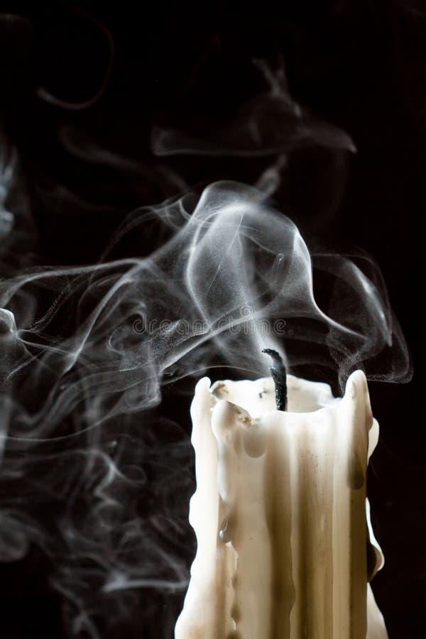 Feche acima da vela com fumo imagens de stock royalty free