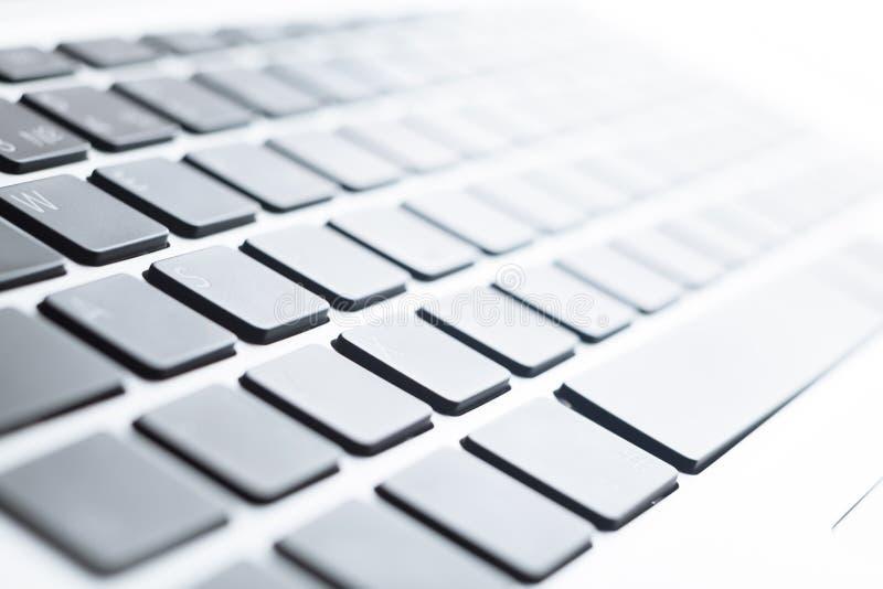 Feche acima da vista de um teclado fotos de stock