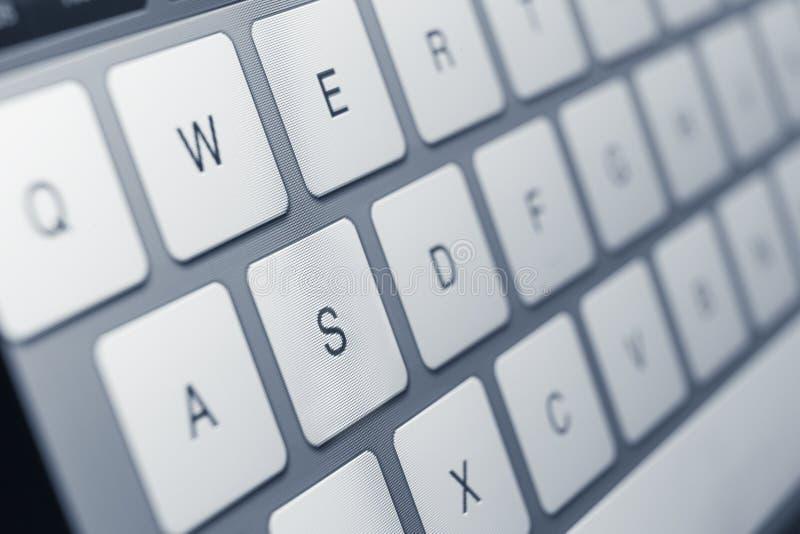 Feche acima das chaves do teclado do portátil fotos de stock royalty free