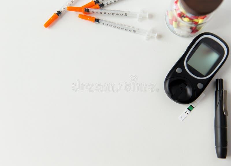 Feche acima das ferramentas e da medicamentação diabedic fotos de stock