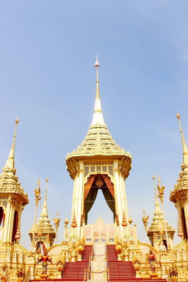 Feche acima de dourado do crematório real para o rei Bhumibol Adulyadej no 4 de novembro de 2017 imagens de stock royalty free
