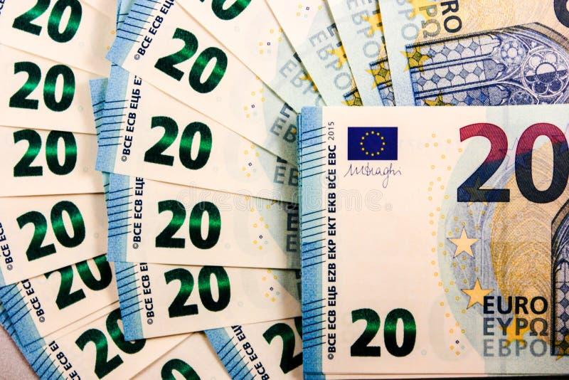 Feche acima de 20 notas de dinheiro do Euro imagem de stock royalty free