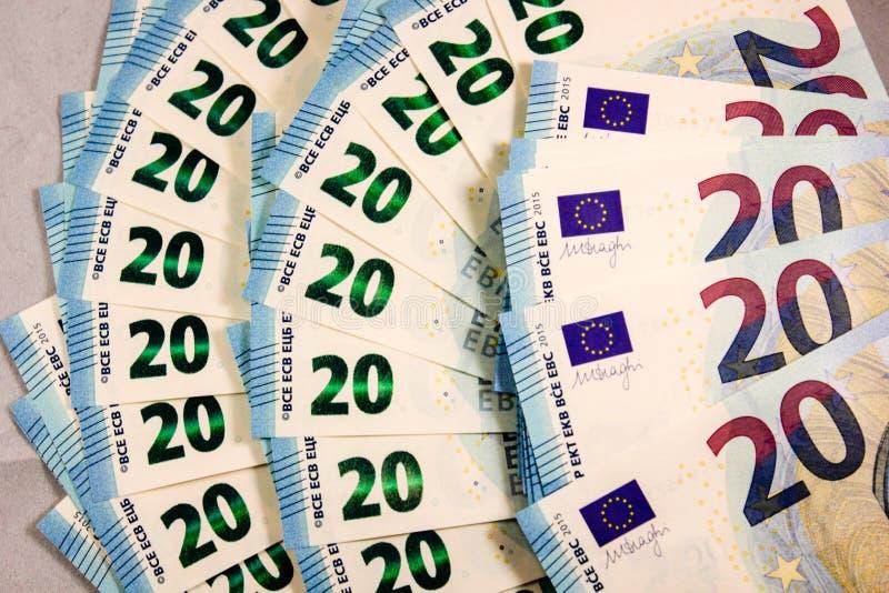 Feche acima de 20 notas de dinheiro do Euro foto de stock royalty free