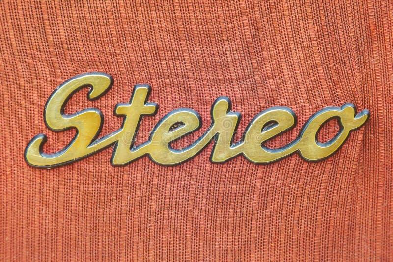 Feche acima de um jukebox do vintage com o estéreo do texto fotografia de stock royalty free