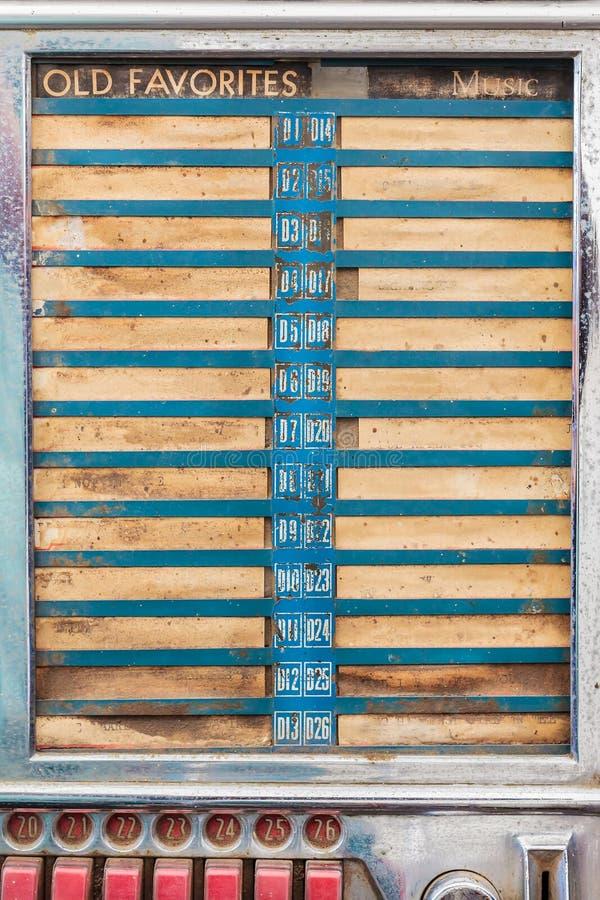Feche acima de um jukebox oxidado do vintage fotos de stock royalty free