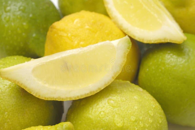 Feche acima do cal e do limão imagem de stock royalty free