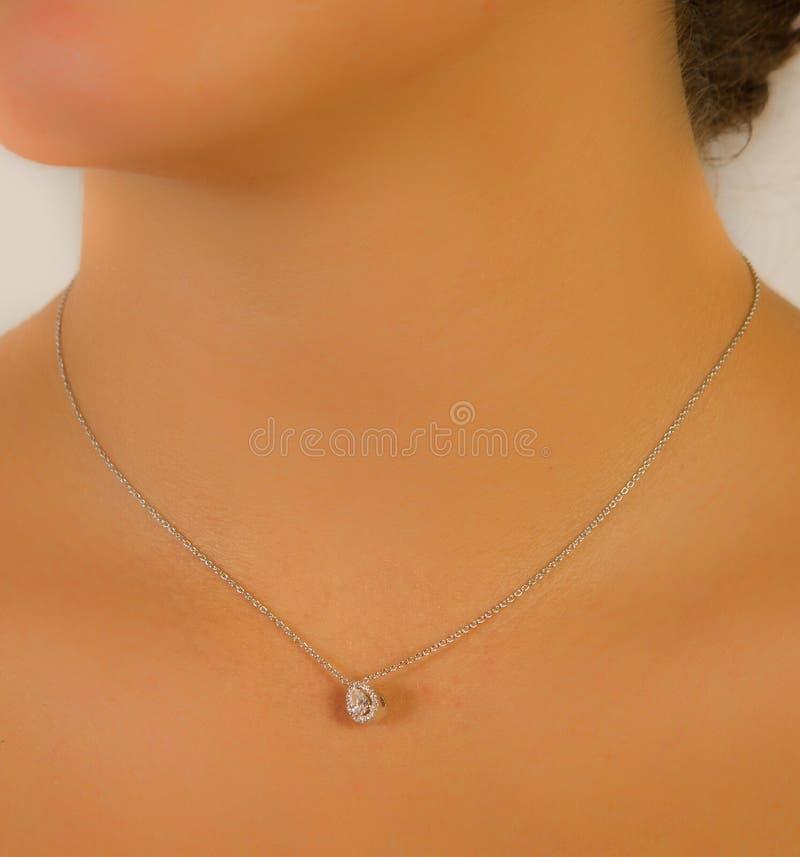 Feche acima do detalhe de uma colar bonita imagens de stock royalty free