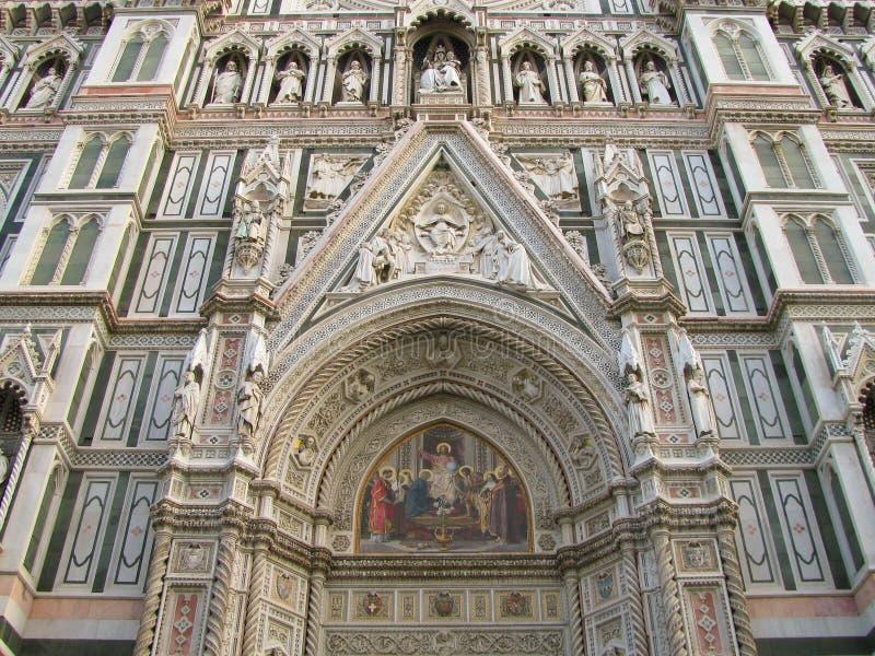 Feche acima do domo em Florença imagens de stock royalty free