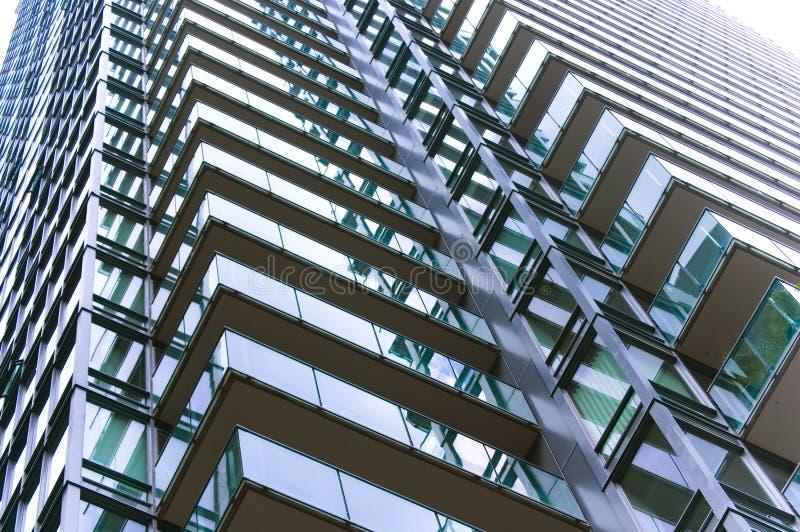 Feche acima do edifício moderno foto de stock royalty free