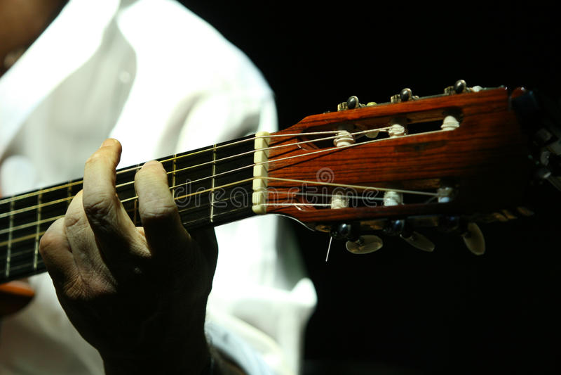 Feche acima do guitarrista fotografia de stock royalty free