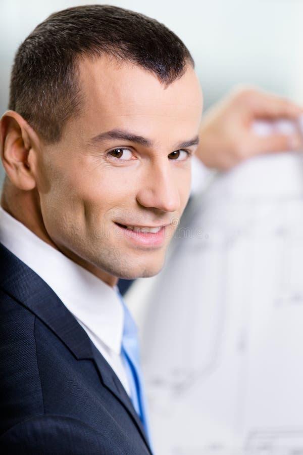 Feche acima do homem de negócios com modelo fotografia de stock