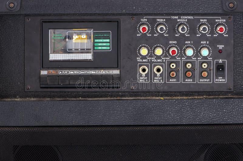 Feche acima do leitor de cassetes audio do karaoke do vintage imagens de stock