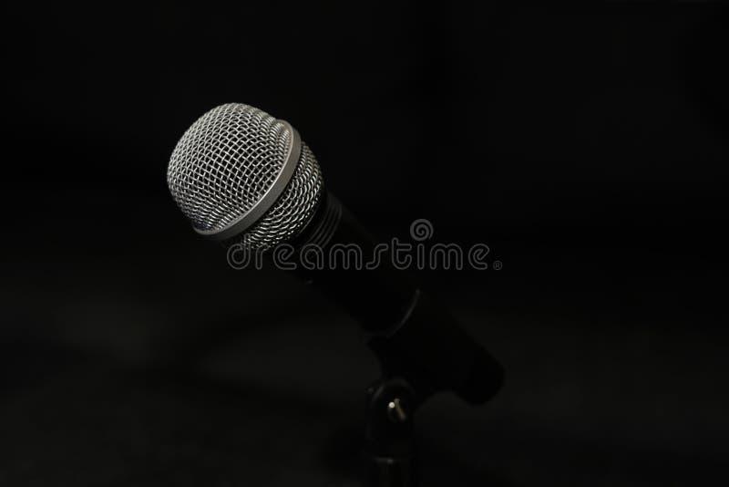 Feche acima do microfone fotos de stock royalty free