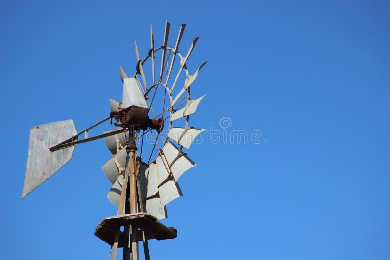 Feche acima do moinho de vento histórico velho fotografia de stock royalty free