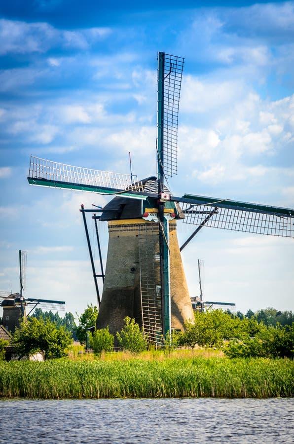 Feche acima do moinho de vento holandês fotos de stock royalty free