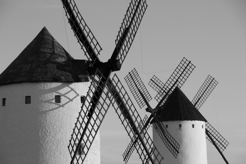 Feche acima do moinho de vento velho no Alcazar de San Juan, rota de Don Quixote, Espanha imagem de stock royalty free