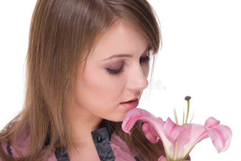 Download Feche Acima Do Retrato Da Mulher Bonita Com Flor Imagem de Stock - Imagem de glamour, lírio: 12805869
